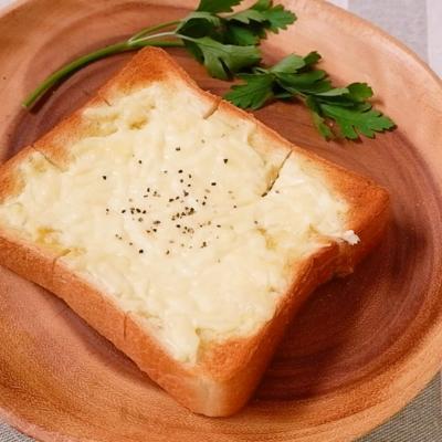 チーズでコクうま オリーブオイルトースト
