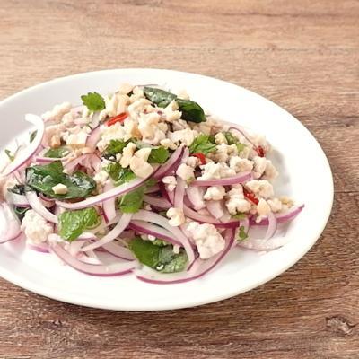 タイ風ハーブサラダ