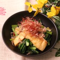 ご飯がすすむ!小松菜と油揚げの中華風炒め