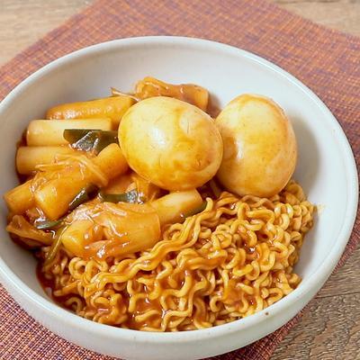 甘辛美味しい 韓国ラッポッキ