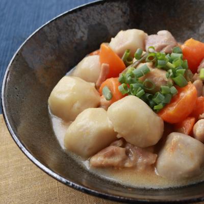 ほっこり和食 鶏肉と里芋の白みそ煮