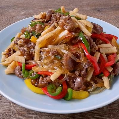 焼肉のタレで簡単くずきりと牛バラ肉の韓国風炒め