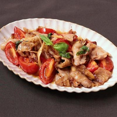 豚バラ肉とまいたけのトマト炒め