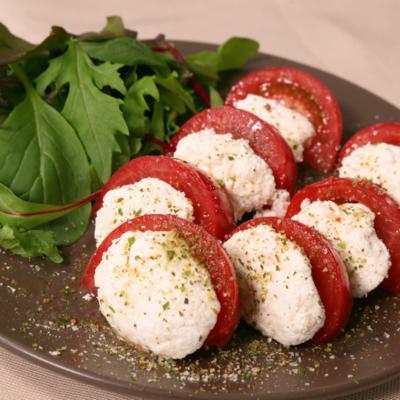 水切りヨーグルトで!トマトのカプレーゼ