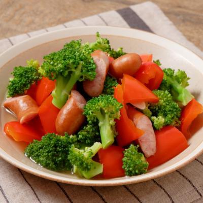 彩り野菜とウインナーのコンソメ煮