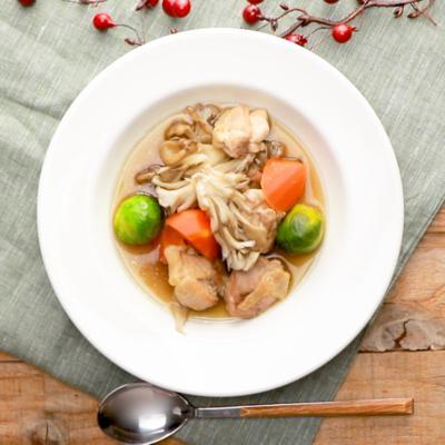 芽キャベツと鶏もも肉の和風ポトフ
