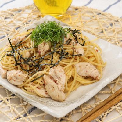めんつゆで簡単 鶏ささみと梅のパスタ