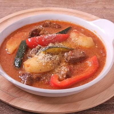 ゴロっと野菜と牛すね肉のスープ