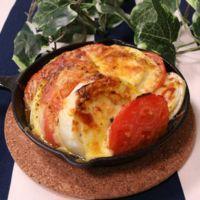 豪快!トマトと玉ねぎのチーズ焼き