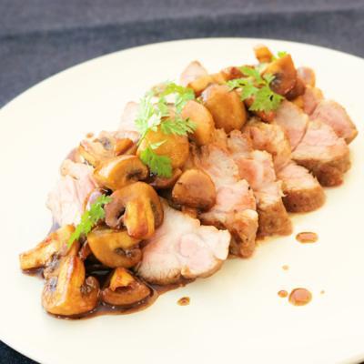 豚ブロック肉のソテー バルサミコソース