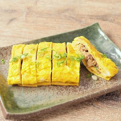 サバの味噌煮で 簡単卵焼き