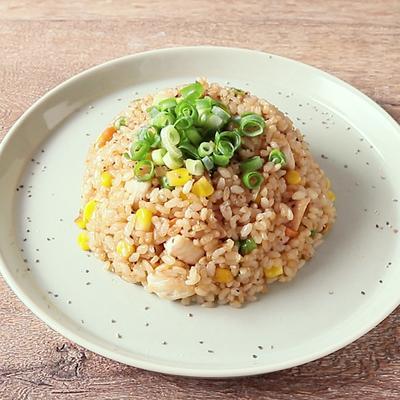 鶏肉と玄米のペッパーチャーハン