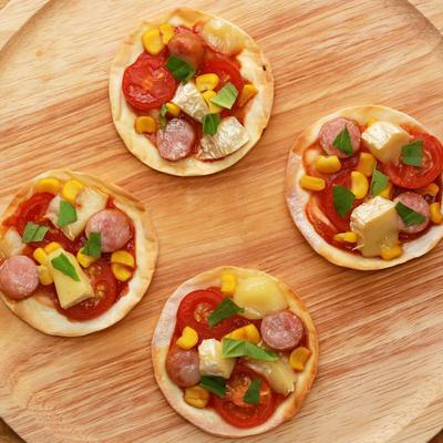 餃子の皮で 簡単ミニピザ