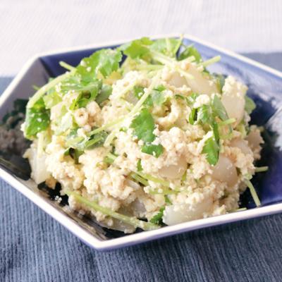 シャキシャキ らっきょうと三つ葉の豆腐ごまサラダ