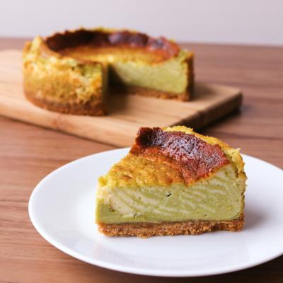 見た目が可愛い シマシマ抹茶ベイクドチーズケーキ