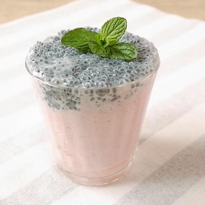 バジルシードのいちごミルクジュース