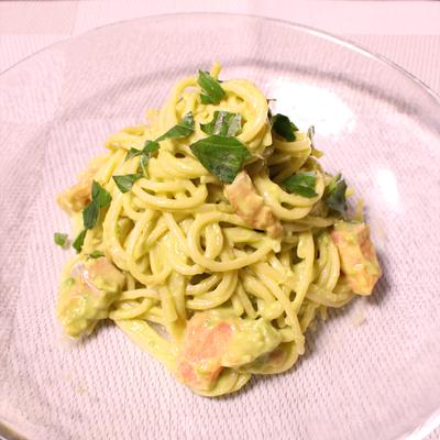 アボガドの冷製スパゲティ