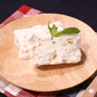 生クリームと卵白で作るアイスデザート