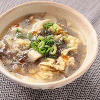 豆腐ともずくの酸辣湯スープ