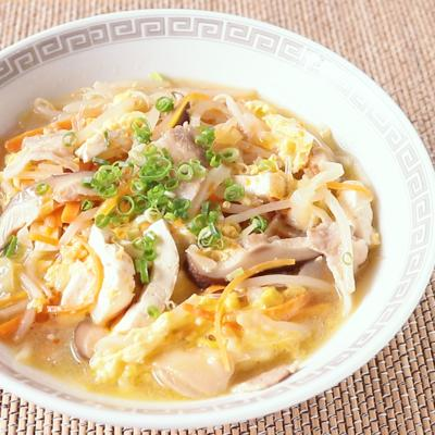 豆腐と野菜の酸辣春雨スープ
