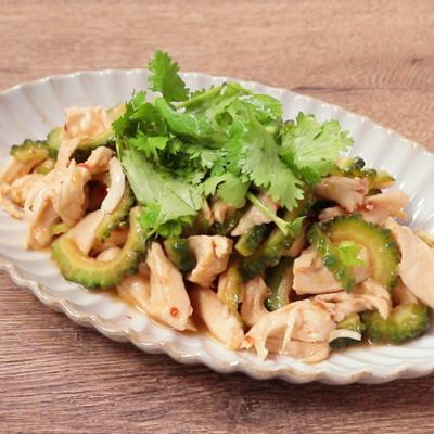 ゴーヤと鶏ささみのスイートチリソースサラダ