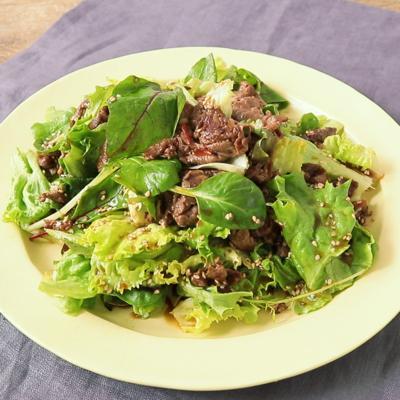 レタスと牛肉のおかずサラダ