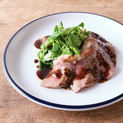 サラダ風ステーキ 牛肉のタリアータ