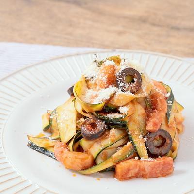 ズッキーニでトマトベジパスタ