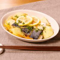 シンプルな美味しさ!さばのレモン煮