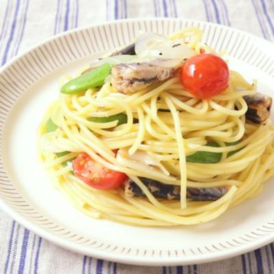 オイルサーディンとスナップえんどうのスパゲティ