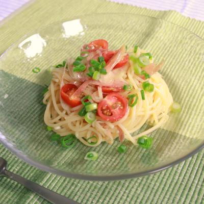 ゆず胡椒がアクセント!ミョウガとトマトの和える冷製スパゲティ