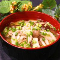 秋の味覚!きのこづくしのお味噌汁
