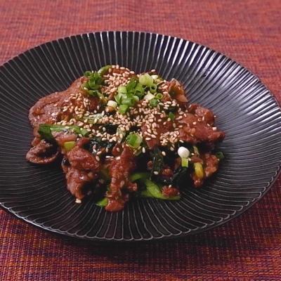 ニラと牛肉のコチュジャン炒め