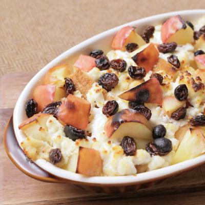 クリーミーカッテージチーズとリンゴのパンプディング