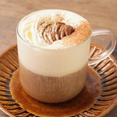 たっぷりクリームのウインナーコーヒー