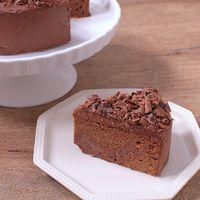 見た目華やか濃厚チョコレートケーキ