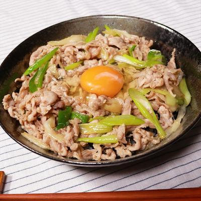 スタミナ満点!ニンニクたっぷり豚丼