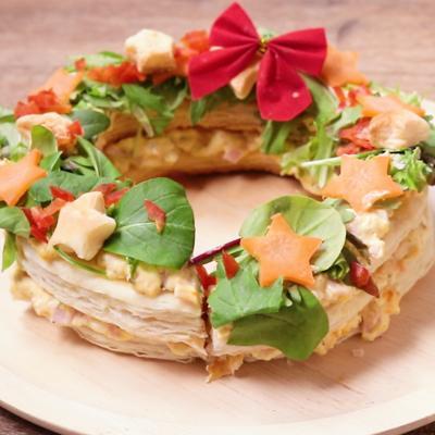 クリスマスディナーに たまごサラダのリースパイ