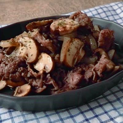 牛肉とマッシュルームのガーリックペッパー炒め