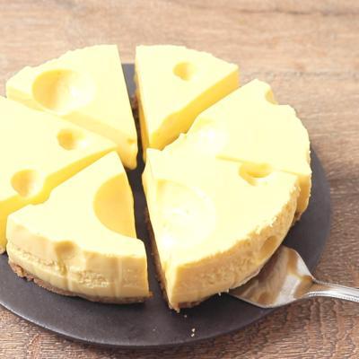 チーズのようなマンゴーレアチーズケーキ