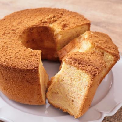 いちごのマーブルシフォンケーキ