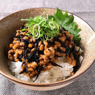 ひじき納豆丼