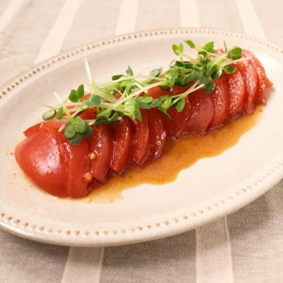 おつまみに トマトのにんにく醤油漬け