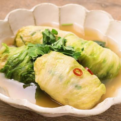 鶏肉で タイ風ロールレタス