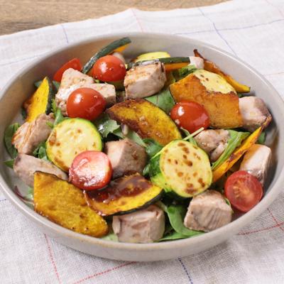 カツオと彩り野菜のサラダ