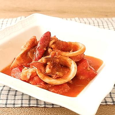 カレー風味 イカとトマトのガーリックソテー