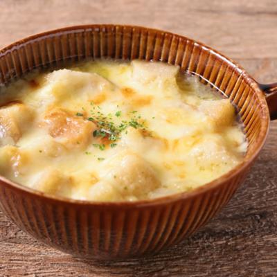 手作りクルトンたっぷり オニオングラタンスープ