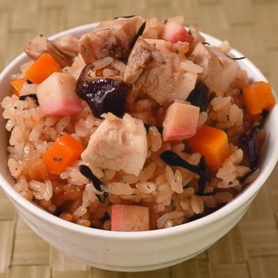 豚肉の旨味あふれる 沖縄のクファジューシー