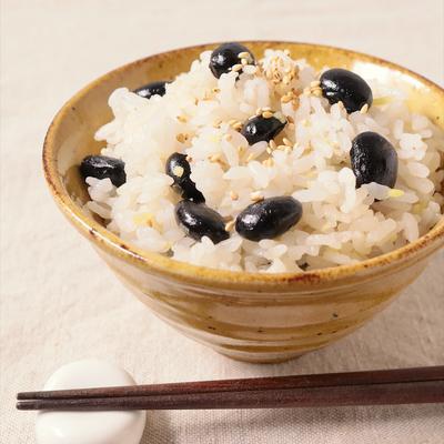 黒豆と生姜のシンプル炊き込みごはん