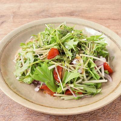 梅シロップドレッシングのサラダ